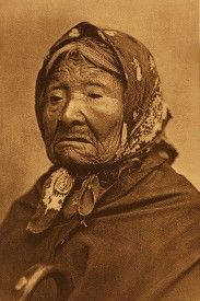 """Kikisoblu (Princess Angeline) of the Duwamish"" — the eldest daughter of Chief Seattle. 1896 portrait photograph by Edward S. Curtis."